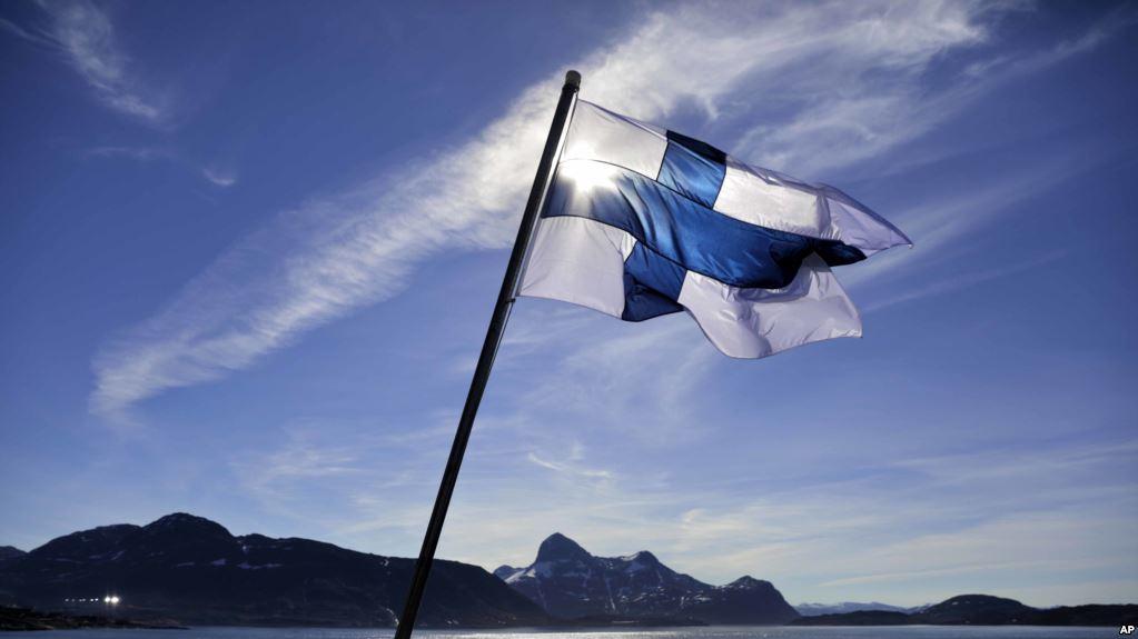 Finlanda va închide programul experimental unde garanta 560 Euro pentru orice cetățean