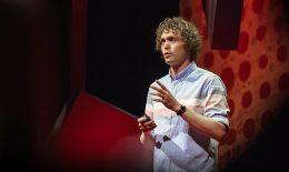 TED Talks: Cum gențile contrafăcute finanțează terorismul și crima organizată
