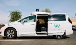 (video) Google va lansa în curând primul serviciu de taxi cu mașini complet autonome