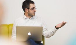 """""""HOW TO"""" de la Tudor Darie: Cum să-ți deschizi o firma în Estonia online prin e-Residency"""