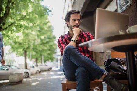 Cum să-ți lansezi propria afacere în doar 54 de ore