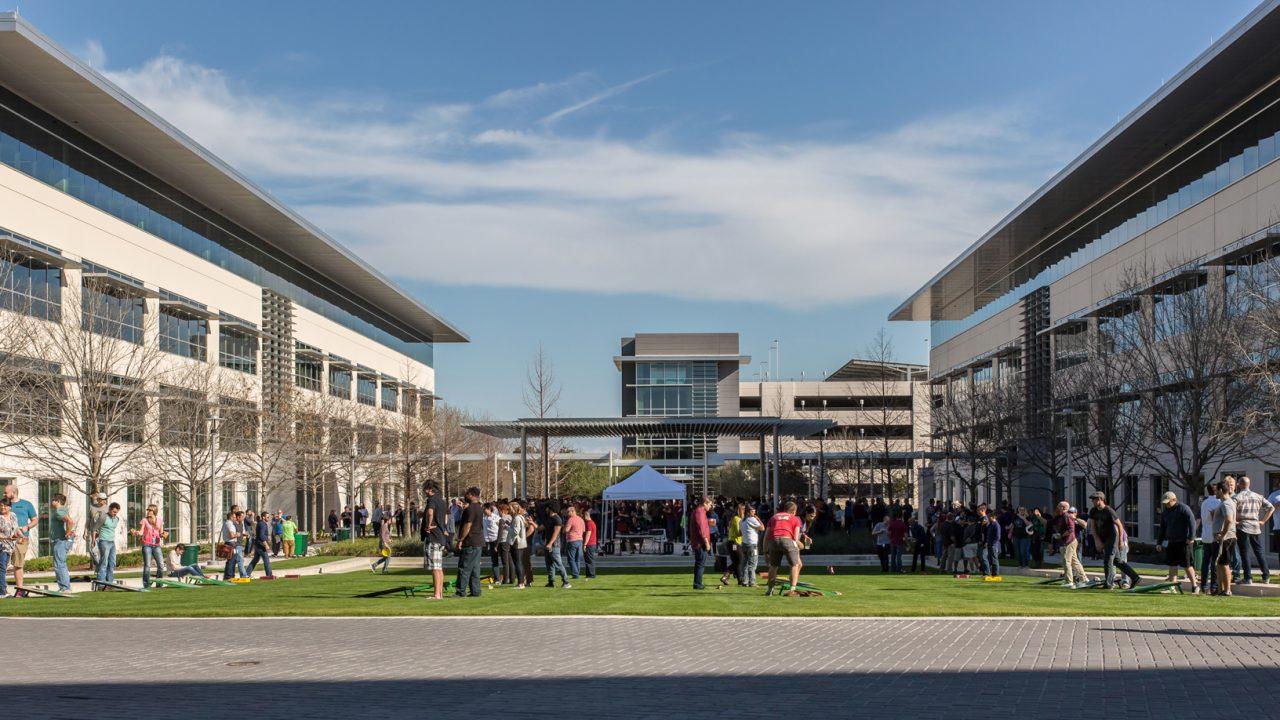Apple investește masiv în SUA: un nou campus de 1 miliard $ și 20.000 de locuri de muncă