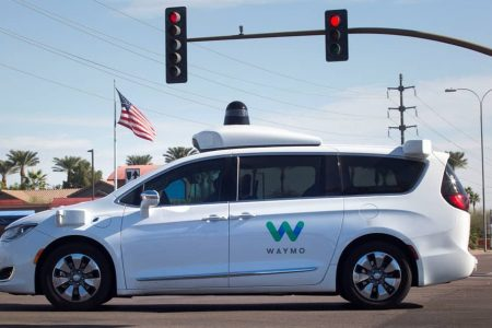 (video) Google a lansat primul serviciu de taxi fără șofer în SUA