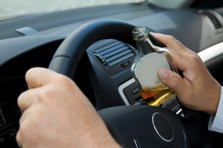 Atenție! Șoferii prinși băuți la volan vor fi pedepsiți, începând de astăzi, mult mai dur
