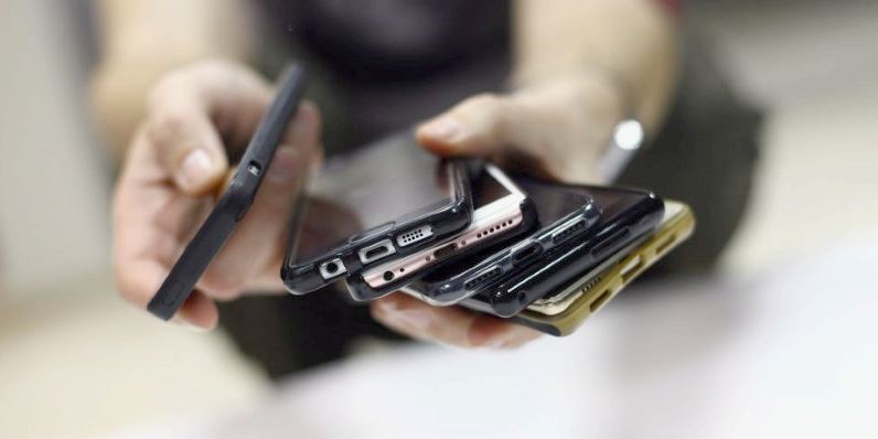 (foto) Cum arată primul smartphone al celor de la Yandex